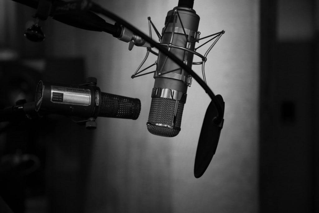 mikrofon lektora filmowego